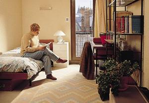 Student at youth hostel©Institut de Touraine Jugendherberge in Tours